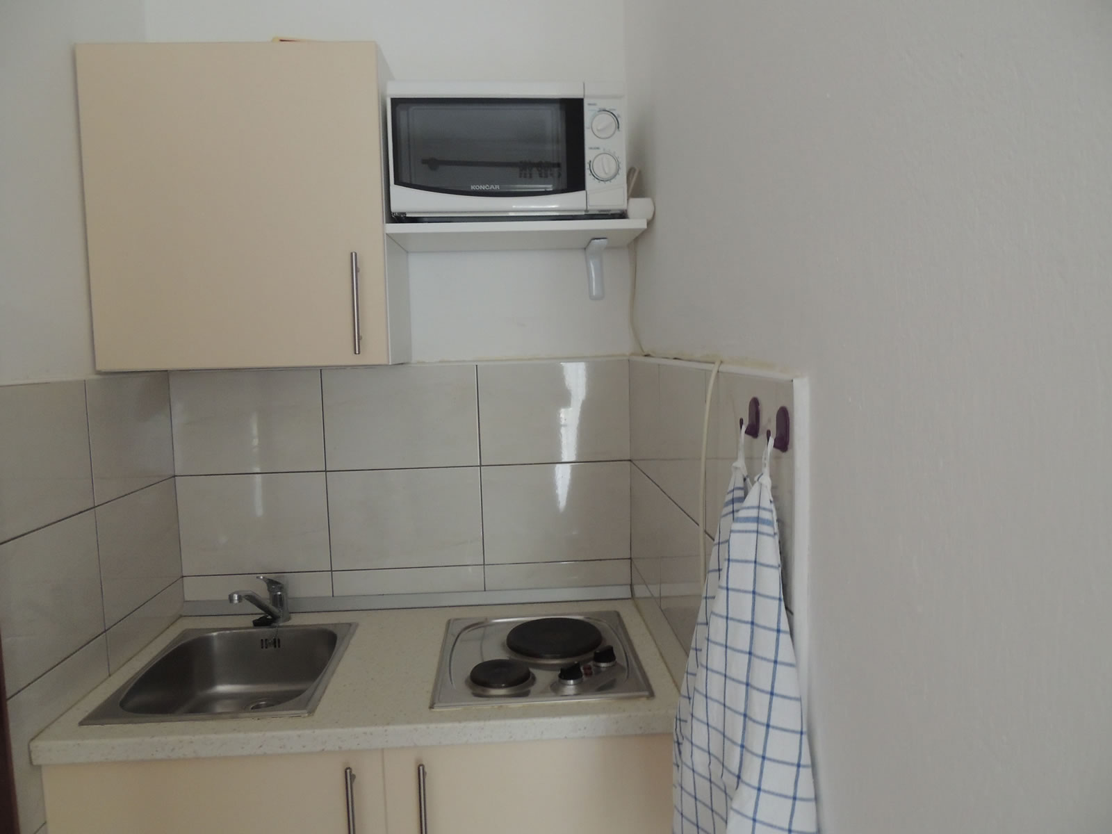 Apartment 2 Kitchenette